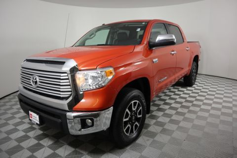 Certified Pre-Owned 2017 Toyota Tundra 4WD Limited CrewMax 5.5' Bed 5.7L FFV
